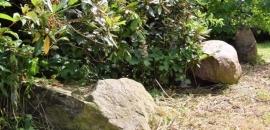 Feldsteine im Garten